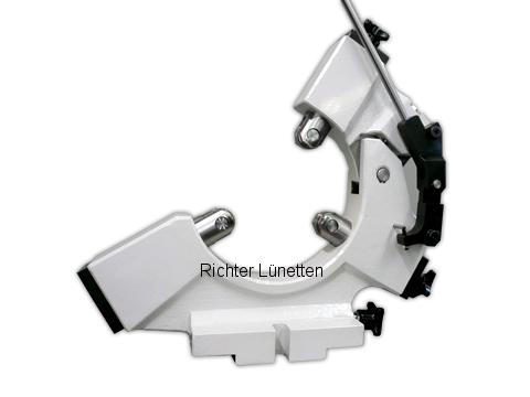 UNIVERS 6 - C-Form Lünette mit nach oben aufklappbarem Oberteil, gebaut von H. Richter Vorrichtungsbau GmbH, Deutschland