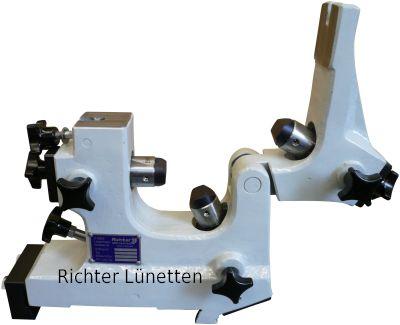 Geschlossene Schleiflünette mit<br>klappbarem Oberteil, gebaut von H. Richter Vorrichtungsbau GmbH, Deutschland